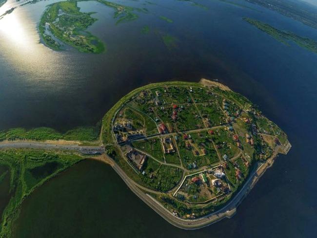 Остров-град