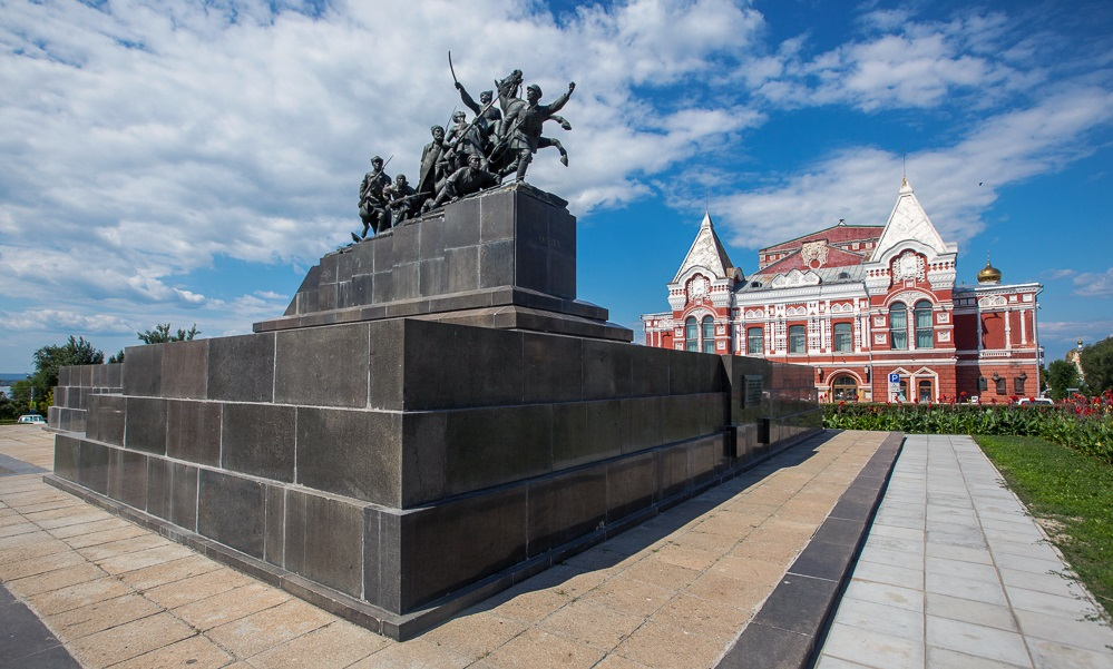 Площадь Чапаева